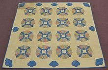 EARLY 20TH CENT. N.E. HAND SEWN DRESDEN PLATE QUILT