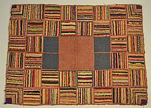 19TH CENT. - EARLY 20TH CENT. N.E. FOLK ART - HIT OR MISS - HOOKED RUG