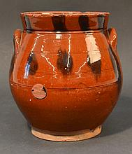 18TH CENT. - EARLY 19TH CENT. N.E. REDWARE BULBOUS STORAGE JAR WITH MANGANESE SLIP DECORATION