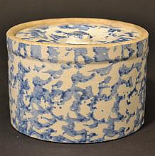 19TH CENT. BLUE SPONGEWARE COVERED BUTTER TUB