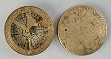 EARLY 19TH CENT. ENGRAVED ROUND BRASS BOUND COVERED SUNDIAL COMPASS
