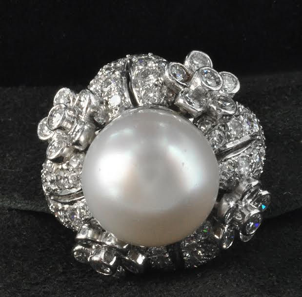 Beautiful 1960's Cultured Pearl & Diamond Ring
