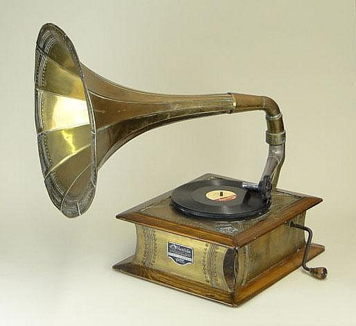 1928 Victor Victrola Talking Machine. Model VV 4-3 Serial Number 206929. Made For The Chinese Market. Outside Brass Horn, Oak and Brass Case, Small Glass Cover Speed Control. Original Metal Label. Dents, Dings, Separations, Missing Screws, Wear, This