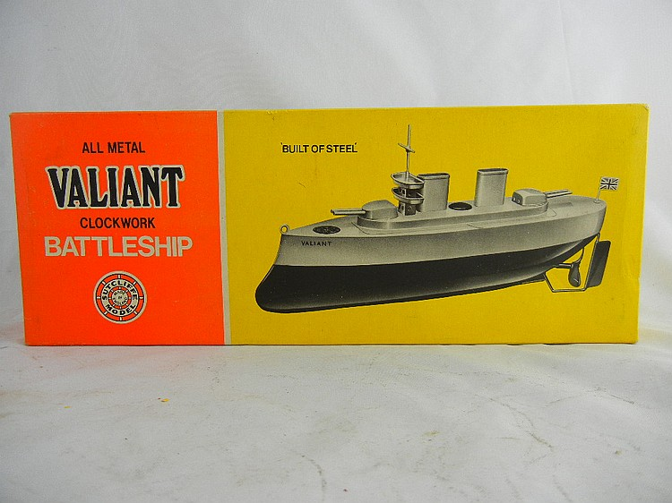 Sutcliffe Model Wind-Up Valiant Battleship MIB