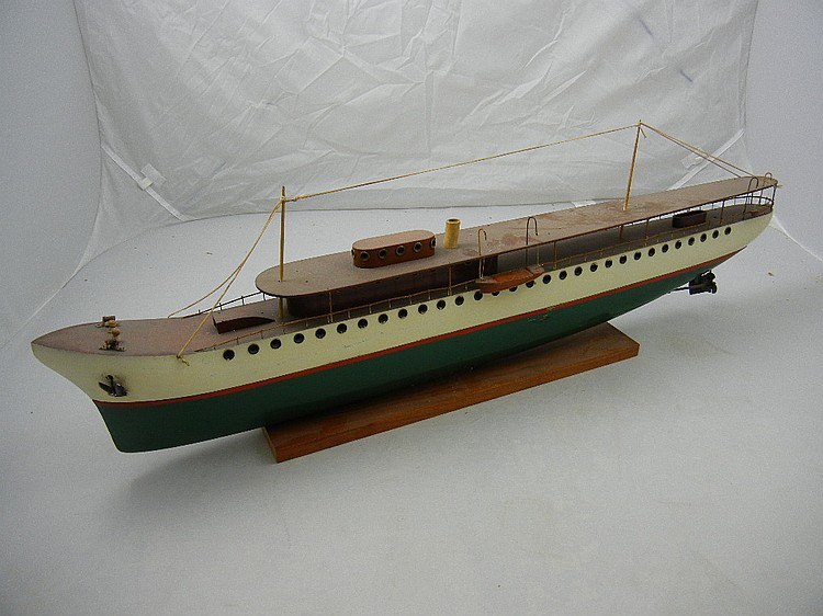 Antique Wooden Model Cruise Ship (Steamliner)
