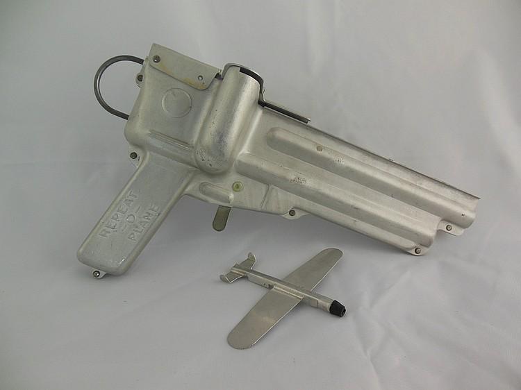 Repeat-o-plane Gun w/ 3 Planes
