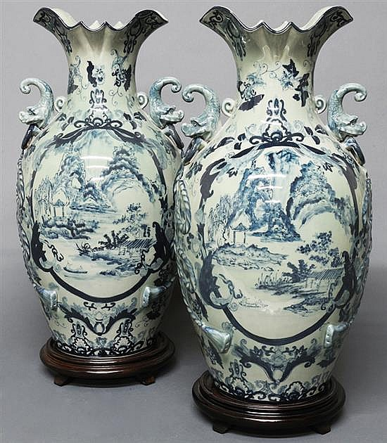 A PAIR OF CHINESE BLUE AND WHITE CERAMIC VASES