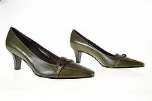 A PAIR OF SHOES BY FERRAGAMO
