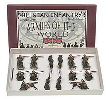 BRITAINS SET 1383 BELGIAN INFANTRY SERVICE DRESS, STEEL HELMETS