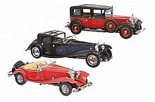 3 X FRANKLIN MINT BOXED MODELS WITH CERTIFICATES INCLUDING 1930 BUGATTI ROYALE COUPE NAPOLEON; MERCEDES 500K SPECIAL ROADSTER-A/F; AND 1935 MERCEDES BENZ 770K GROSSER (E-M BOXES G-E) (3)