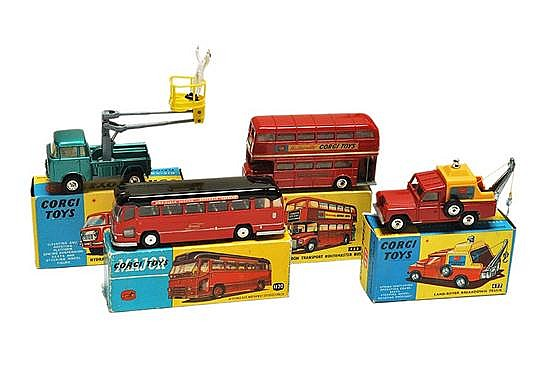 TWO CORGI BUSES INCLUDING 1120; 468; 477 AND 478 (G-M BOX G-E) (4)