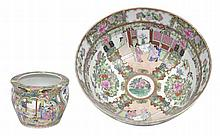 A LARGE CHINESE FAMILLE ROSE ENAMELLED PORCELAIN FOOTED BOWL AND A SIMILAR VASE