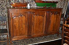 A LATE 18TH CENTURY FRENCH PROVINCIAL OAK SIDEBOARD