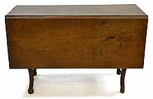 Early 18th Century Pennsylvania Drop Leaf Table
