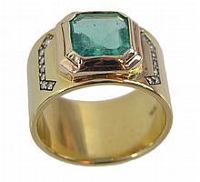 18K Gold Diamond & 3 Carat Emerald Ring