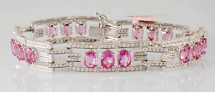 17.13 ct Pink Sapphires and Diamonds Bracelet in 18K White Gold