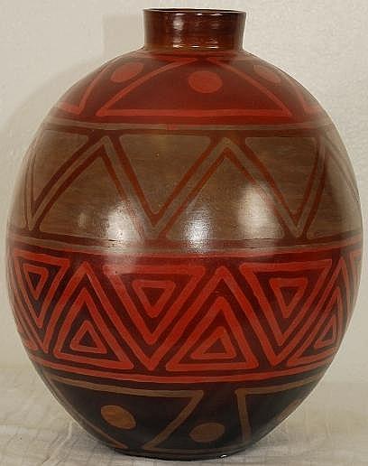 Chulucana's Pottery Vase 13