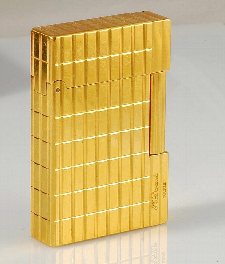 Vintage S T Dupont Paris Gold Plated Lighter