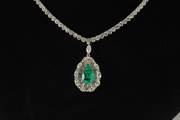 16.22 ct Emerald and Diamond Necklace in 18K White gold