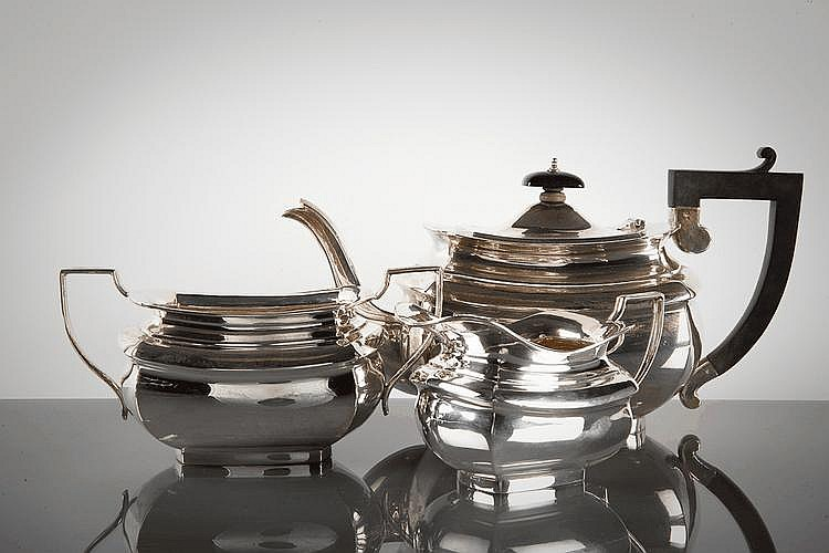 GEORGE V SILVER THREE PIECE TEA SERVICE