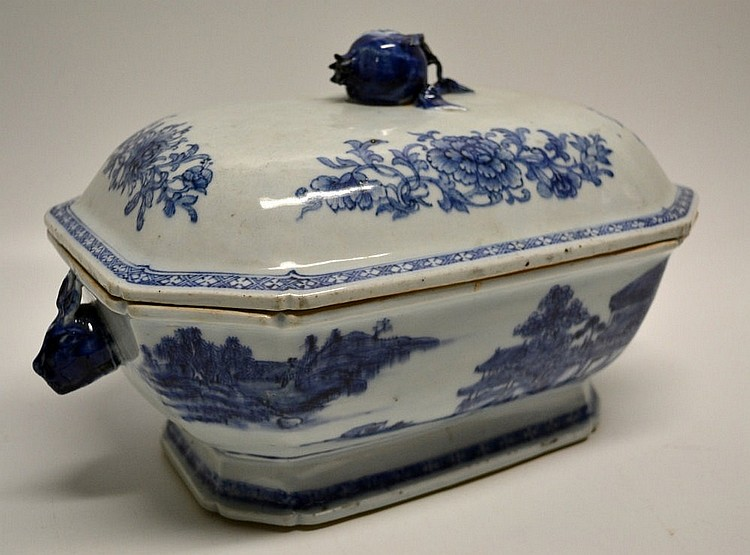 A late eighteenth century Chinese blue and white