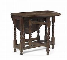 WILLIAM AND MARY OAK DROP-LEAF TABLE.