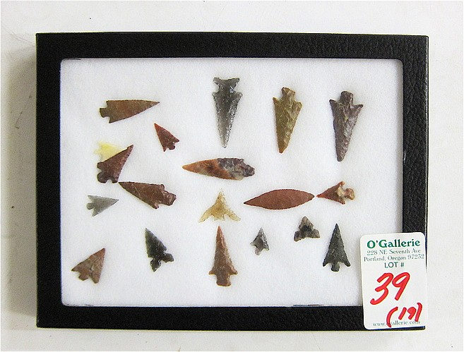 NINETEEN NATIVE AMERICAN INDIAN ARROW HEADS and