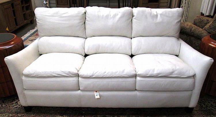 CONTEMPORARY WHITE TANGO LEATHER SOFA, Latitudes