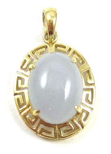 LAVENDER JADEITE AND FOURTEEN KARAT GOLD PENDANT,