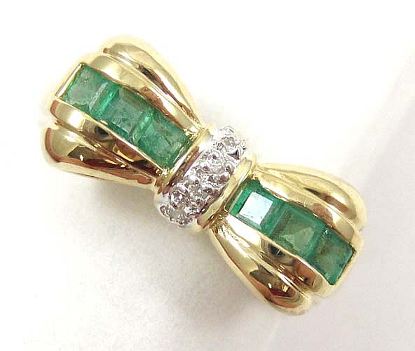 DIAMOND, EMERALD AND FOURTEEN KARAT GOLD RING, the