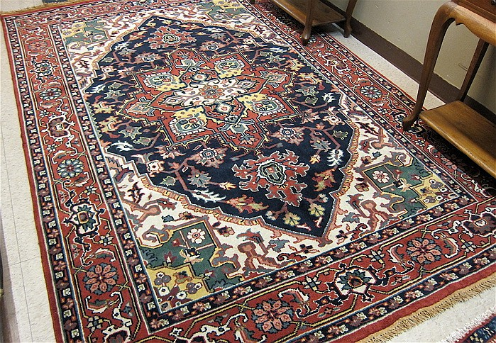 HAND KNOTTED ORIENTAL CARPET, Indo-Persian, Heriz