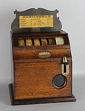 BANNER SPECIALTY COMPANY 1-CENT FIVE CARD DRAW TRADE STIMULATOR IN OAK CABINET