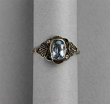 DELICATE LADY'S GOLD AND AQUAMARINE RING