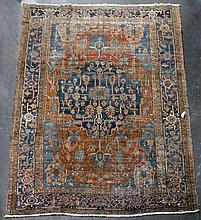 ANTIQUE LARGE HERIZ SERAPI WOOL RUG