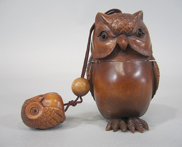 A44-43  JAPANESE WOOD CARVED OWL INRO