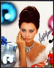 AUTOGRAPHS Sophia Loren: Autographed on 10