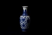 An exceptional fine blue & white underglaze vase