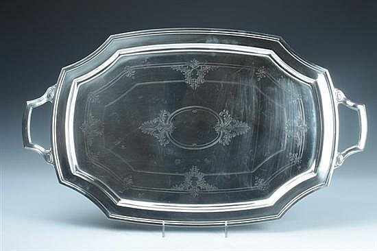REED & BARTON STERLING SILVER SERVING PLATTER. - 83 oz., 8 dwt.; 15 1/2 in. x 26 1/2 in. long, overall.
