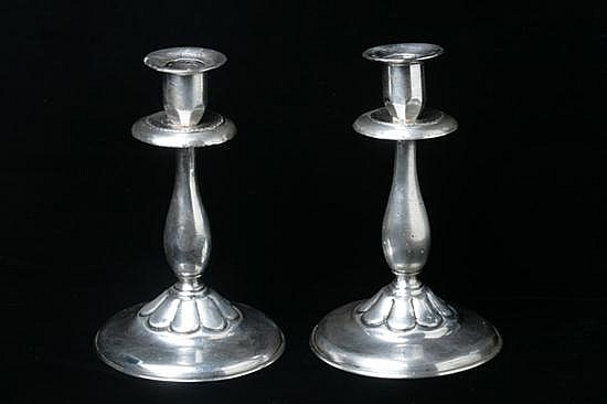PAIR PERUVIAN STERLING SILVER CANDLESTICKS. Mid-20th century; marked Peru Plata Esterlina 925, JY maker's mark. - 25 oz., 8 dwt.; 7 1/