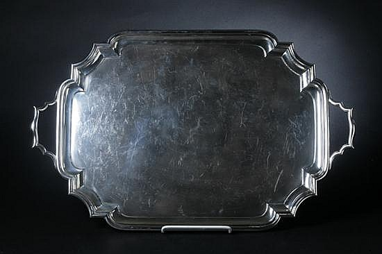 GEORGE V SILVER SERVING TRAY. Mappin & Webb, London, 1919. - 140 oz.; 17 3/4 in. x 28 in. long, overall.