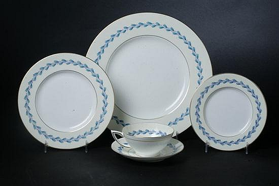 59-PIECE MINTONS BONE CHINA DINNER SERVICE, S299 pattern. - 10 3/4 in. diam., dinner plate.