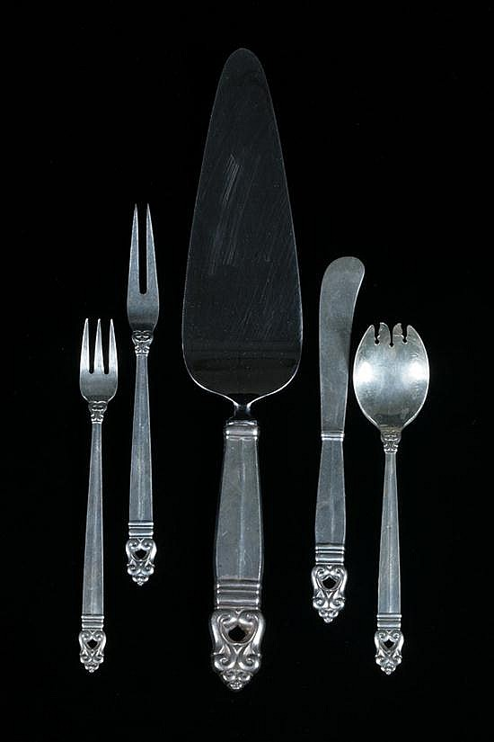 17 PIECES INTERNATIONAL STERLING SILVER FLATWARE,