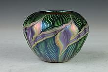 LUNDBERG STUDIOS IRIDESCENT ART GLASS BOWL. 2001, no. 120362. - 3 3/4 in. high.