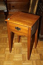 AMERICAN PINE SIDE TABLE. - 26 in. x 13 3/4 in. x 16 in.
