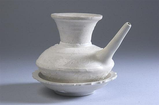 TWO PIECES CHINESE WHITE GLAZED PORCELAIN, Song Dynasty. - Kendi: 4 1/4 in. high; bowl: 5 in. diam.