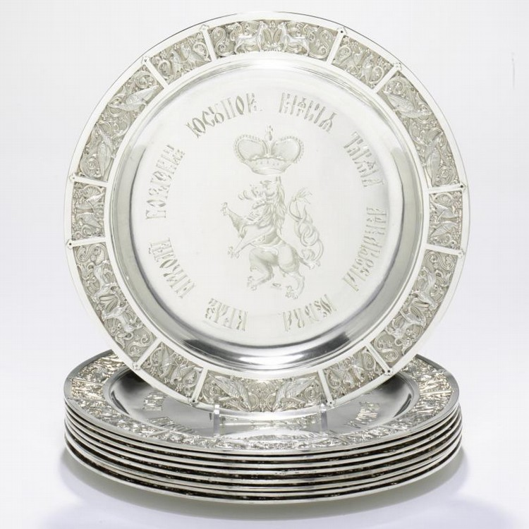 NINE SILVER DINNER PLATES FROM THE YUSSUPOV