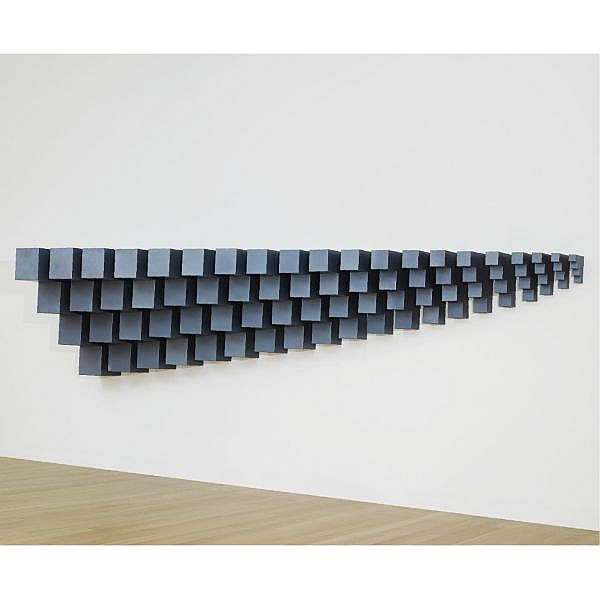 Robert Smithson , 1938-1973 Alogon #3   painted steel in 20 units