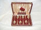 *A box set of 6 silver bead pattern teaspoons,