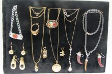 COSTUME EARRING NECKLACE BRACELET & PENDANT LOT