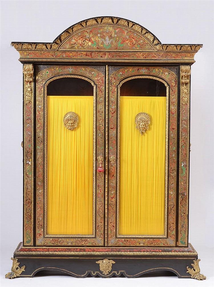 RÉGENCE ORMOLU-MOUNTED STAINED TORTOISESHELL AND BRASS BOULLE MARQUETRY AND EBONY BIBLIOTHÈQUE